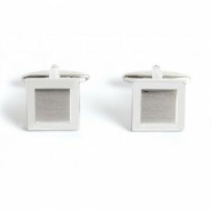 Geborsteld vierkant met relief Zilver