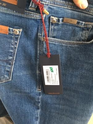 Rodger - Basic jeans logo